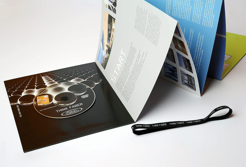 Dedalo brochure aziendale pieghevole