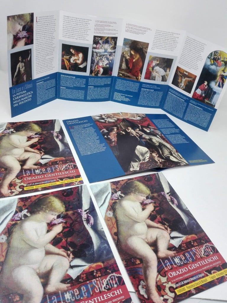 allestimento mostra orazione gentileschi dedalo comunicazione visiva brochure