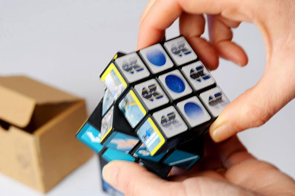 servizi-logistici-dedalo-comunicazione-visiva-cubo-magico2